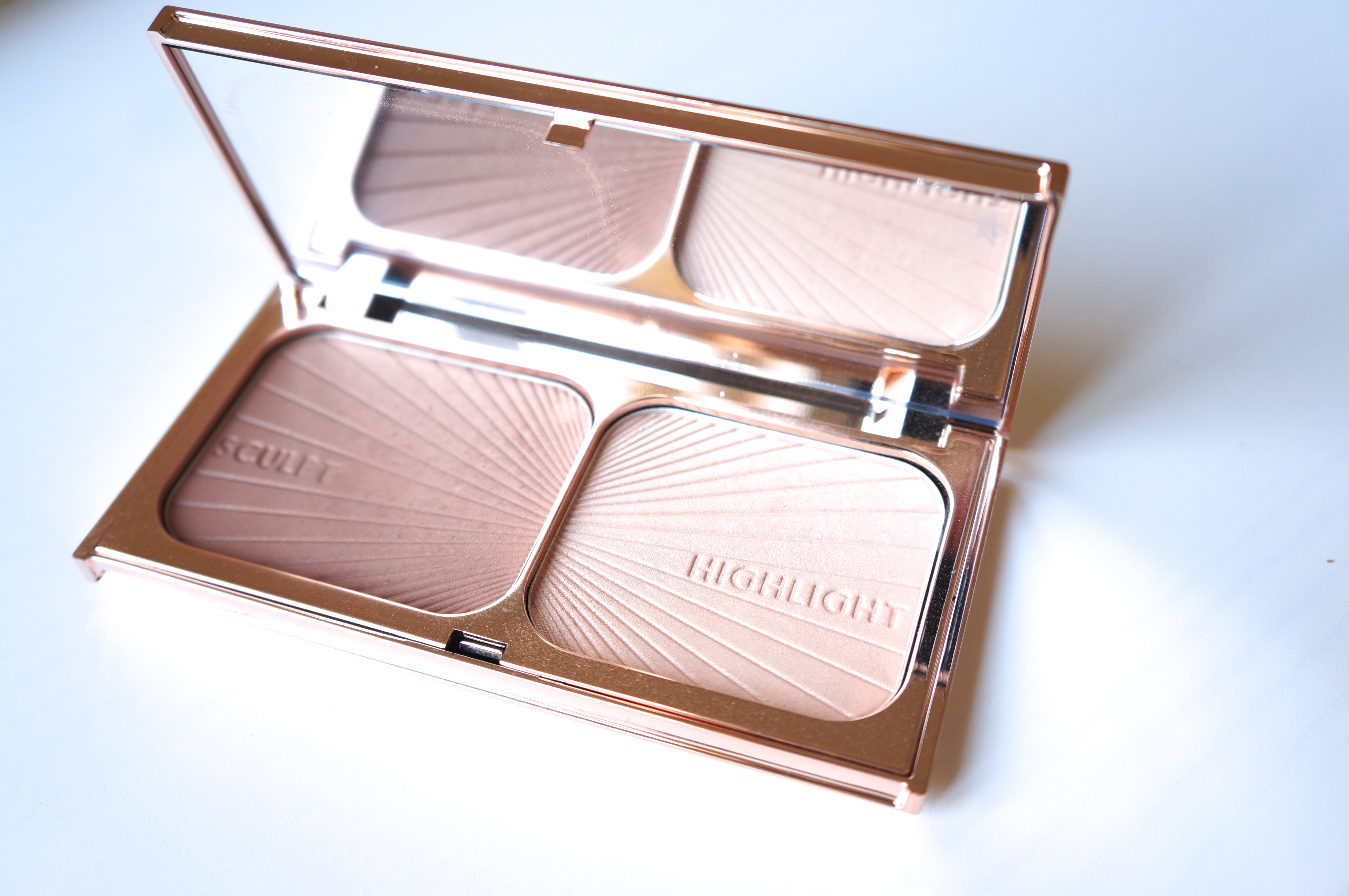 Filmstar Bronze & Glow by Charlotte Tilbury/ Pic by 1FDLE.