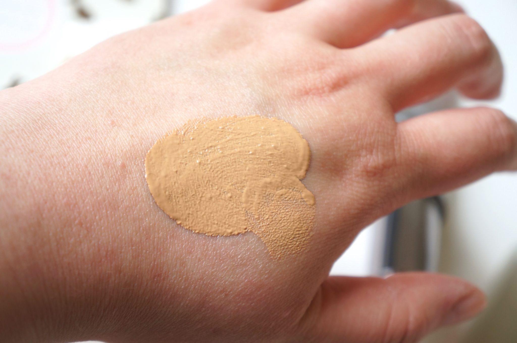 Urban Decay Hybrid Complexion Perfector One & Done / Pic by 1FDLE.