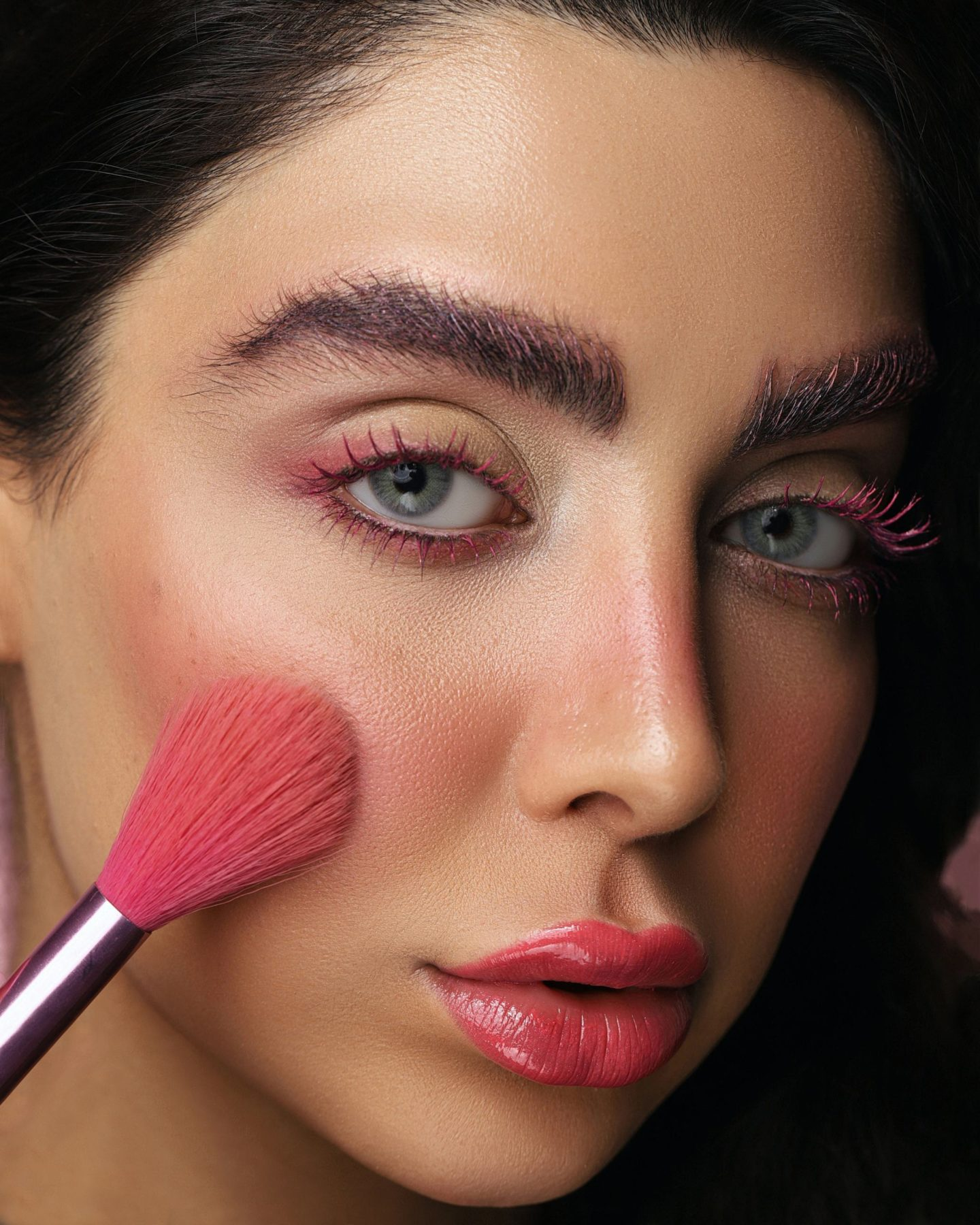 Masque, identité et maquillage.